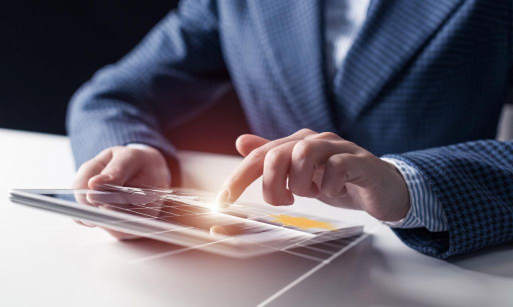 Ne zatiskajmo si oči – digitalizacija poslovanja je nujna