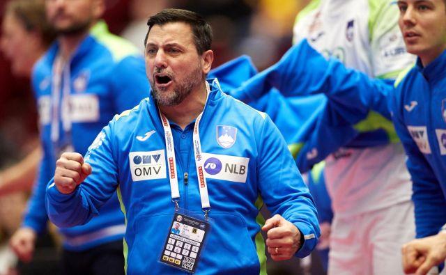 Selektor Ljubomir Vranješ bo reprezentančnim kandidatom, ki so sodelovali na pripravah za zadnje evropsko prvenstvo, omogočil skupen trening. FOTO: Reuters