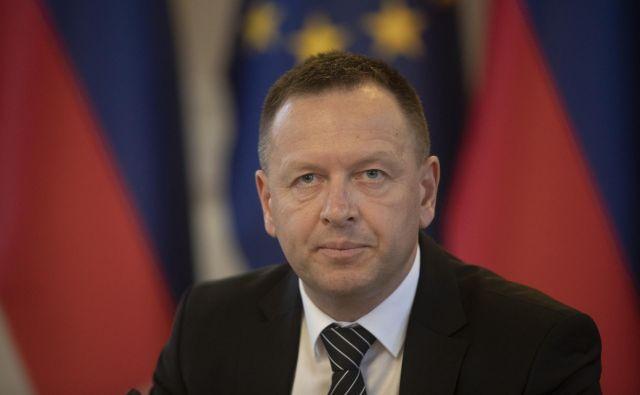 Robert Šumi med predstavitvijo za predsednika KPK. FOTO: Voranc Vogel/Delo