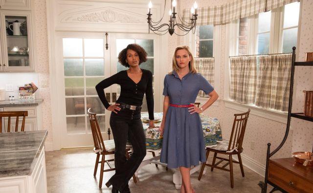 Vlogo Elene je za serijo prevzela Reese Witherspoon (desno), vlogo Mie pa Kerry Washington.<strong></strong>Foto Hulu