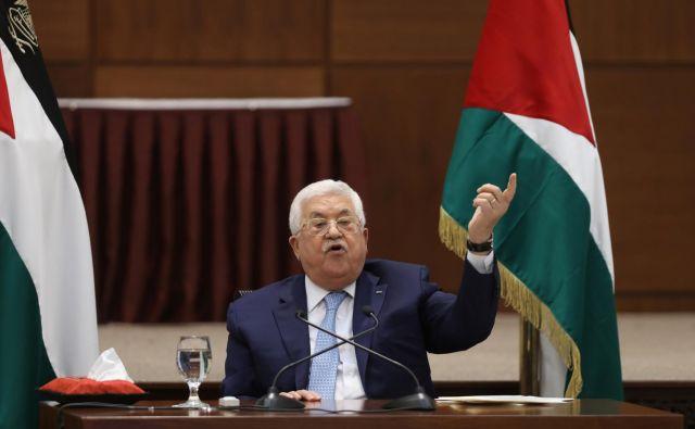 Predsednik palestinskih oblasti Mahmud Abas med govorom v Ramali. FOTO: Reuters