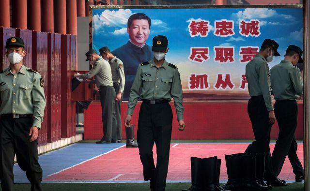 Z zasedanjema, ki potekata 78 dni pozneje, kot je bilo načrtovano, bo Peking oznanili »zmago nad pandemijo«. FOTO: AFP