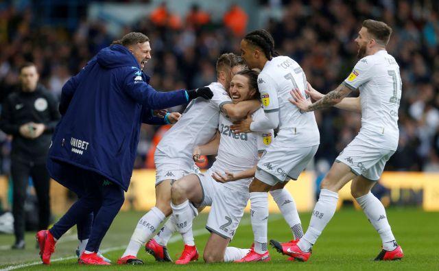 V angleški drugi ligi (championship) ta čas vodi tradicionalni klub Leeds United. FOTO: Reuters