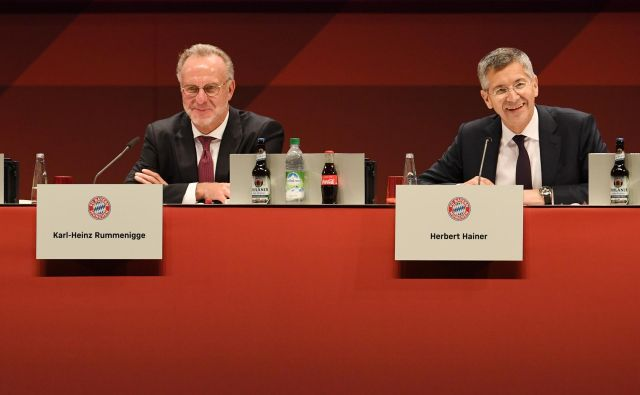Bayernov vrh: izvršni direktor Karl-Heinz Rummenigge je nekdanji vrhunski nogometaš, predsednik kluba Herbert Hainer je nekdanji izvršni direktor Adidasa. FOTO: Reuters