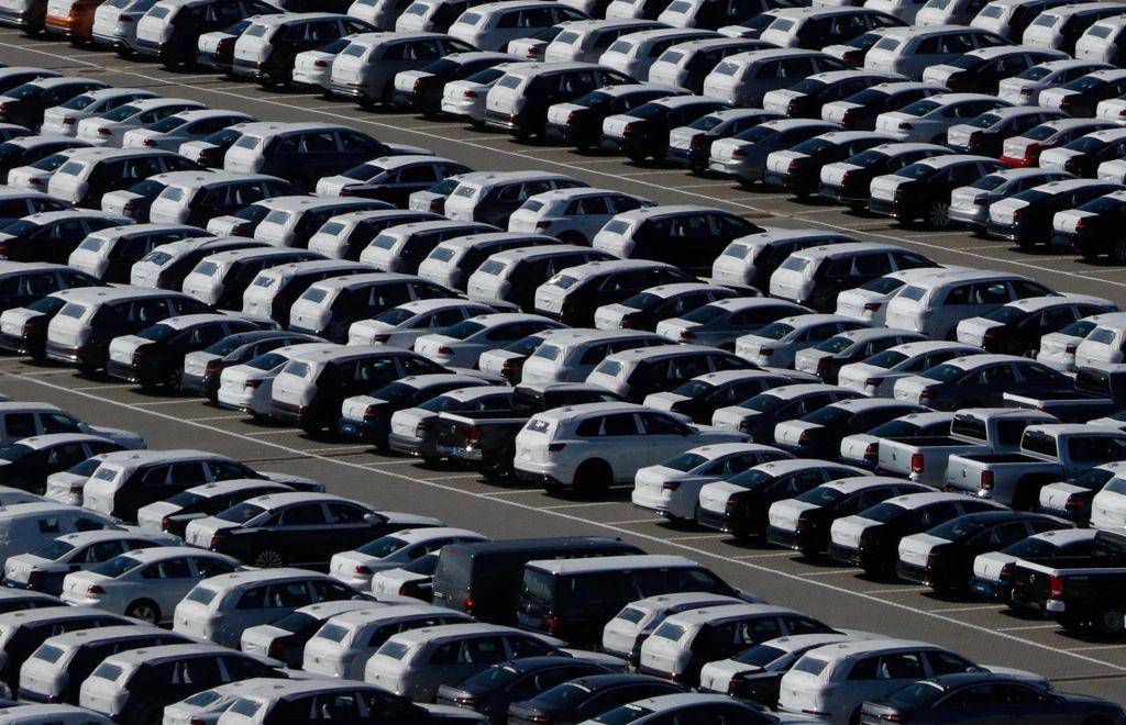 Avtomobilski dobavitelji: Za podaljšanje ukrepa čakanja na delo