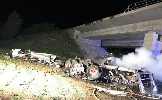 Na avtocesti Lendava–Pince se je zgodila huda prometna nesreča. FOTO: Oste Bakal/Slovenske novice