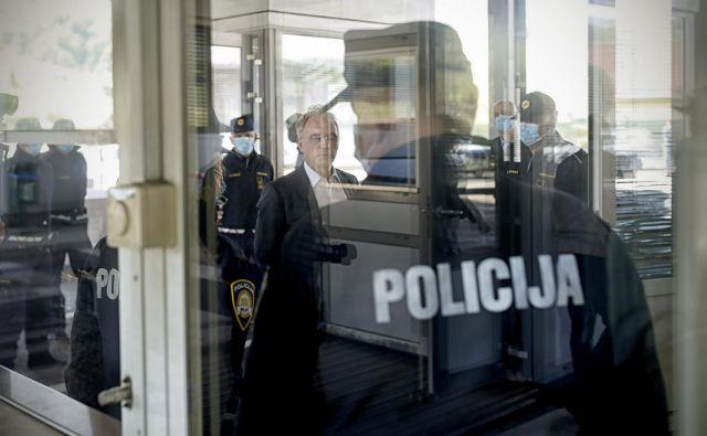 Tudi notranji minister Aleš Hojs je med prejemniki elektronskega sporočila, v katerem je Žan Mahnič, sekretar v kabinetu premiera, zapisal, da je bila obdelava podatkov o politikih neupravičena. FOTO: Blaž Samec