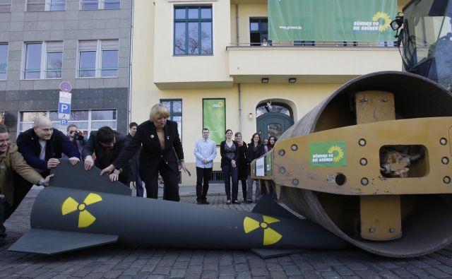 V Nemčiji se že nekaj let vrstijo protesti proti ameriškemu jedrskemu orožju, ki je nameščeno na nemškem ozemlju. FOTO: Reuters