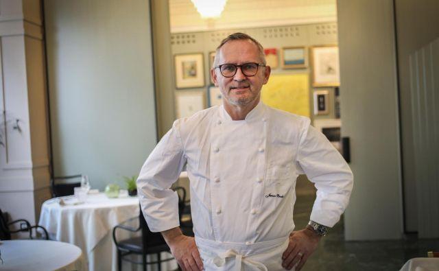 Kuharski mojster Janez Bratovž: Stroški ostajajo, prihodkov pa ni. Foto Jože Suhadolnik