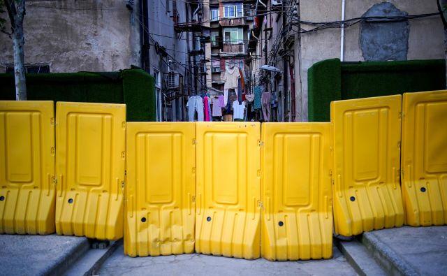 Vsi smo si od daleč zamišljali, kakšno bi lahko bilo življenje v 11-milijonskem mestu pod karanteno, Fang Fang pa ga je opisoval. Foto: Aly Song/Reuters
