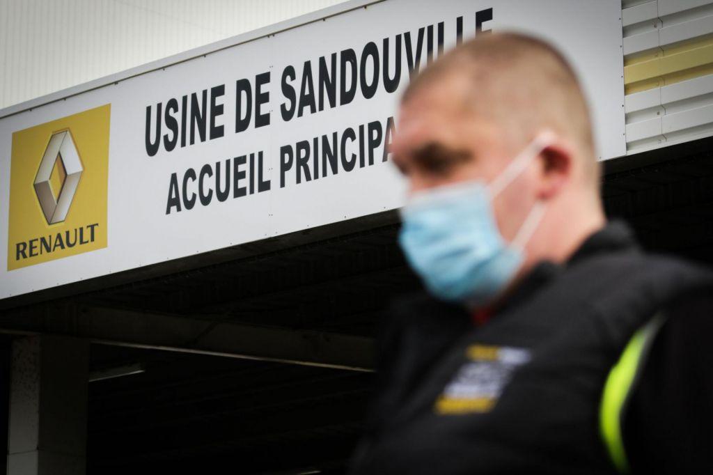 Le Maire: Renault brez pomoči ne bo preživel
