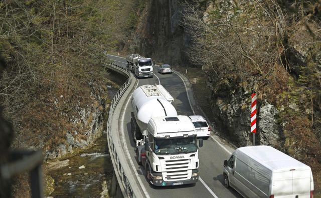 V tovornem prometu stoji kar sedem desetin zmogljivosti. FOTO: Leon Vidic/Delo
