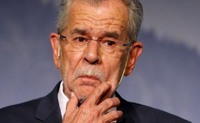 Predsednik države Alexander Van der Bellen si je privoščil kršitev avstrijskih protivirusnih zapovedi. FOTO: Heinz-Peter Bader/Reuters