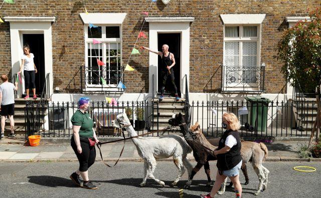 Utrinek iz ulice v londonskem Kenningtonu. FOTO: John Sibley/Reuters