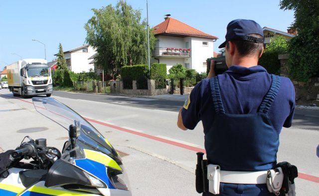 Sicer so policisti v zadnjih 24 urah obravnavali 63 prometnih nesreč. FOTO: Delo