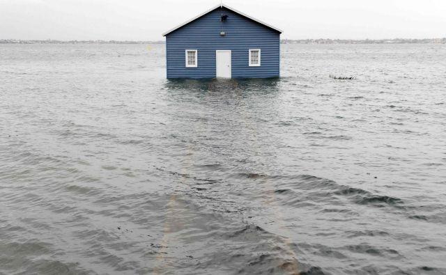 Poplavljen objekt v Crawleyju, predmestju Pertha. FOTO: Trevor Collens/AFP