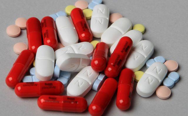 Vrednost zdravil, predpisanih na recept, je lani dosegla vrednost 542 milijonov evrov. FOTO: Blaž Samec