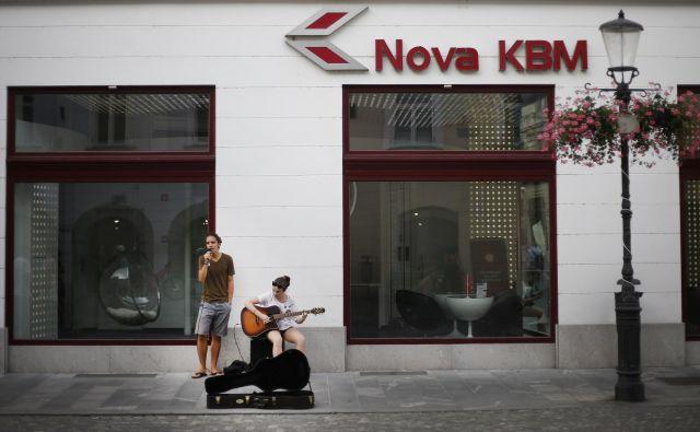 Več kot sto tisoč vlagateljev je novembra leta 2007 v NKBM vložilo povprečno po 1380 evroV. Foto BlaŽ� Samec