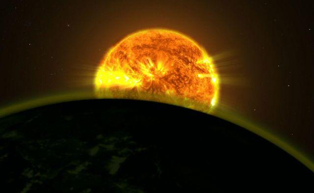 Sestava atmosfere se astronomom razkrije, ko planet potuje čez ploskev svojega sonca. Zaradi debelejšega sloja ozračja je vodikove eksoplanete lažje opaziti. Vir Nasa