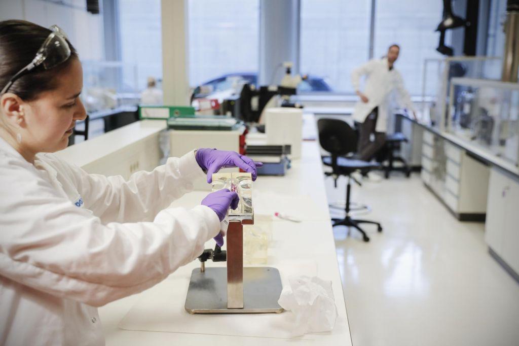 Vsak tretji se boji, da bo zaradi posledic pandemije ob zaposlitev