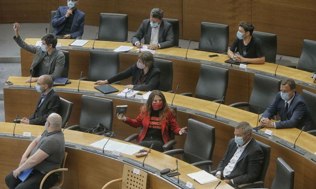 FOTO:Slovenci bi v politiki spet radi videli nov obraz