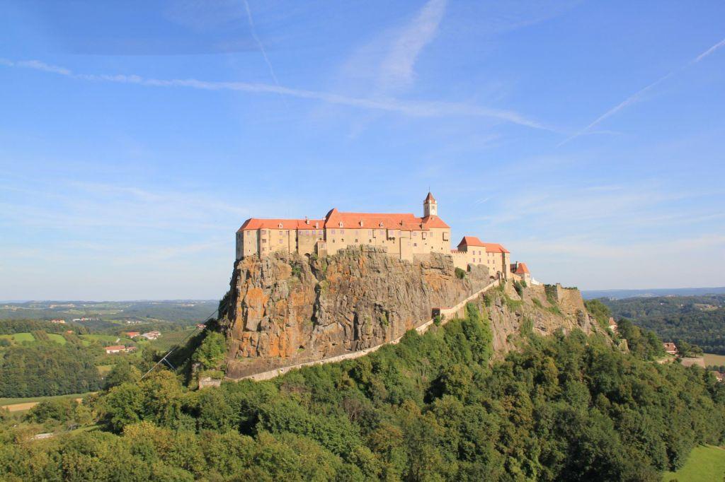 FOTO:V vsaki dolini dvorec, na vsakem griču grad