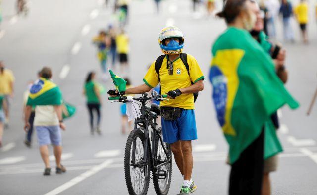 Potem ko se je pandemija v Evropi umirila, je novo žarišče postala Južna Amerika. FOTO: Adriano Machado/Reuters
