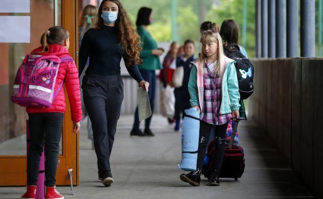 Psiholog Kristijan Musek Lešnik o novi situaciji: »Otroci so lahko izredno odporni, ko so soočeni s spremembami v življenju. Manjši del otrok bo lahko to epidemijo doživel kot travmatski dogodek. To so predvsem tisti, kjer je bilo v družinah veliko tesnobe, stresa, panike …« FOTO: Matej Družnik/Delo
