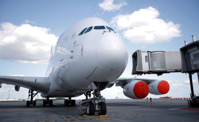 Tehnološki razvoj bo nizkocenovnim letalskim prevoznikom omogočil, da začnejo obratovati na daljših letalskih linijah, ki so jih pred tem obvladovali večji in bolj uveljavljeni prevozniki. FOTO: REUTERS