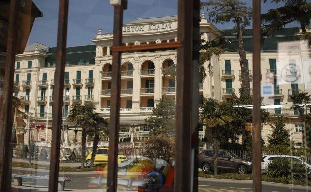 Hotel Kempinski Palace bo vrata odprl 11. junija. Foto Jure Eržen