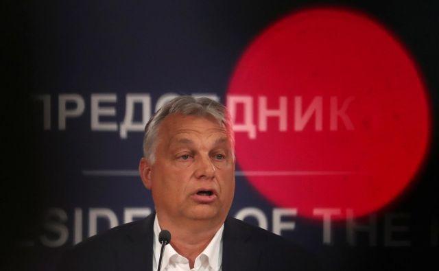 V Budimpešti napovedujejo, da bodo kmalu odpravili zakon, ki je dal popolno oblast v roke madžarskemu premieru Viktorju Orbánu. Foto: Reuters