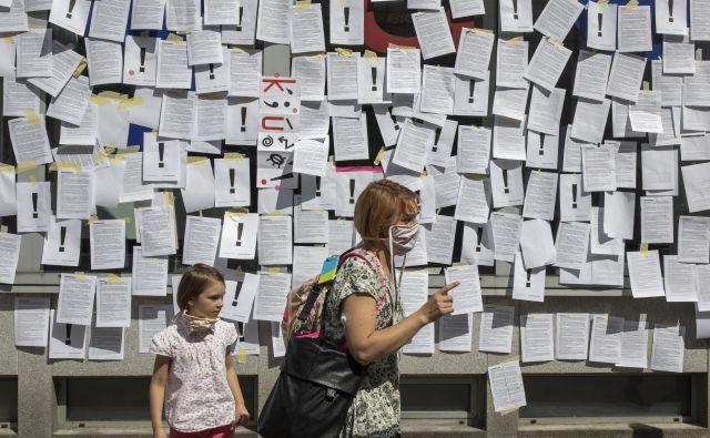 Protest kulturnikov pred ministrstvom za kulturo. FOTO: Voranc Vogel/Delo