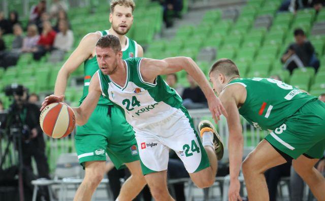 Košarkarji Krke in Cedevite Olimpije bi se morali pomeriti v zadnjem kolu regionalne lige. FOTO: ABA