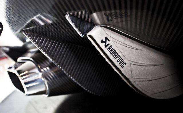 Tudi podjetje Akrapovič, ki proizvaja izpušne sisteme, med drugim tudi za najbolj zmogljive športne avtomobile, se sooča s padcem naročil. Foto: Koenigsegg
