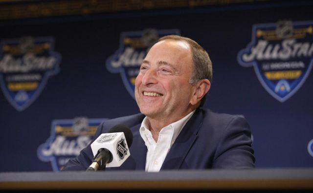Gary Bettman se že veseli nadaljevanja sezone v NHL. FOTO: AFP