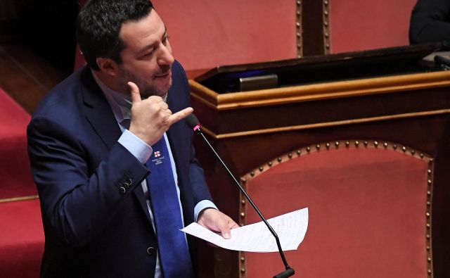 Matteo Salvini med nastopom v senatu, katerega člani bodo imeli zadnjo besedo o tem, ali bodo voditelju Lige odvzeli imuniteto.<br /> Foto: Reuters