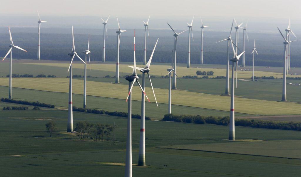 FOTO:Trendi naložb ne napovedujejo varne energetske prihodnosti