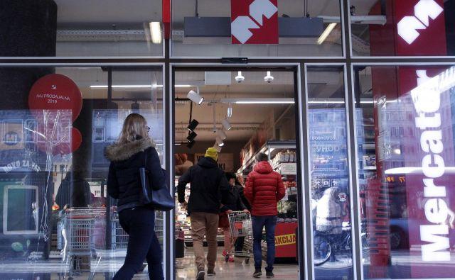 Na rast prihodkov v prvih treh mesecih je skoraj gotovo vplivala tudi nakupovalna mrzlica pred razglasitvijo epidemije. FOTO: Mavric Pivk/Delo