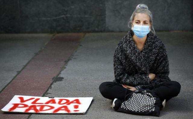 Protest pred ministrstvom za okolje in prostor. FOTO: Matej Družnik