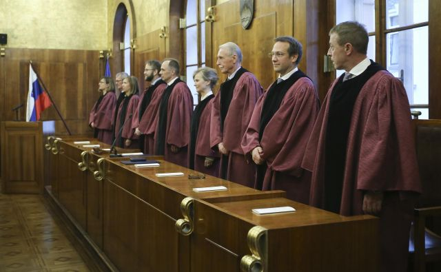 Kandidata za mesto sodnika Ustavnega sodišča RS se bosta še pred odločanjem v državnem zboru predstavila javnosti na javni predstavitivi v Predsedniški palači, predvidoma prihodnji teden. FOTO: Jože Suhadolnik/Delo
