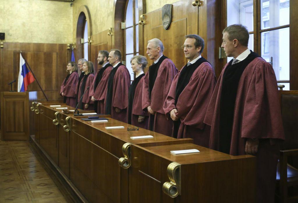 Predsednik republike za ustavnega sodnika predlaga Andraža Terška in Barbaro Zobec