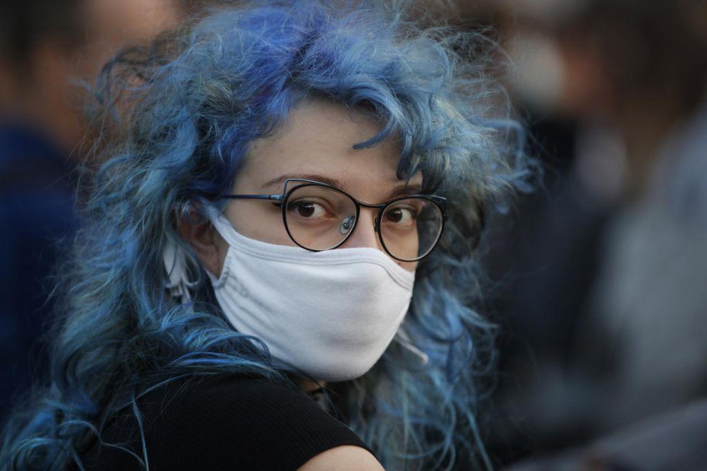 Kako smo preživeli epidemijo in celo ploskali