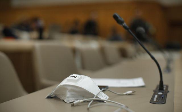 Predlagani zakoni sodijo v tretji sveženj urgentne pomoči gospodarstvu. FOTO: Jure Eržen/Delo