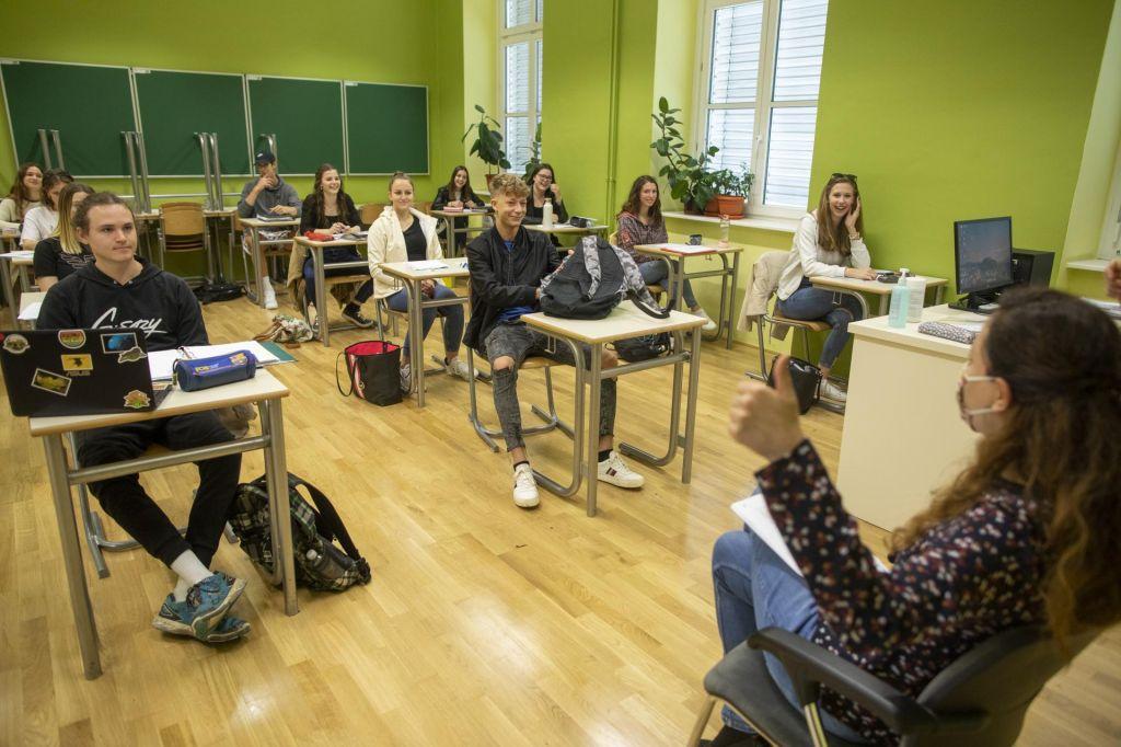 FOTO:Italija noče biti kolonija gobavcev, pri nas prvi maturitetni izpit brez težav