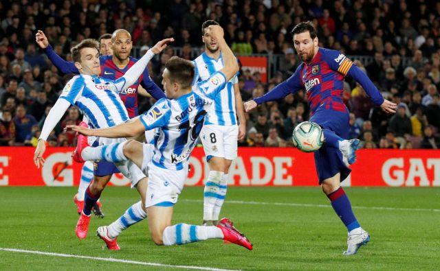 Nogomet, pa tudi življenje na splošno, ne bo nikoli več takšen, kot je bil, je prepričanprvi zvezdnik Barce Lionel Messi. FOTO: Reuters
