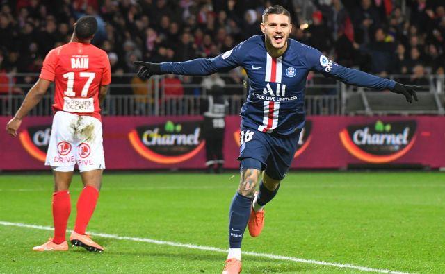 Mauro Icardi se veseli enega od doseženih golov v dresu PSG. FOTO: AFP