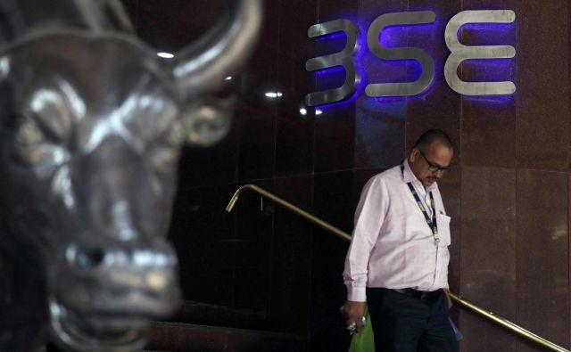 Azijski trgi (fotografija je iz indijskega Mumbaja) so po donosnosti sledili evropskim. FOTO: Francis Mascarenhas/Reuters