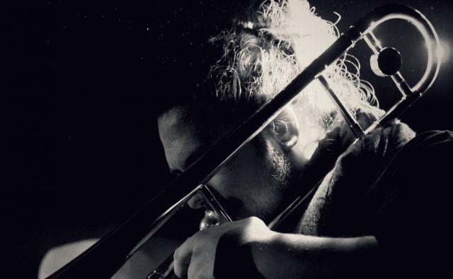 Denis Beganović s prepoznavnim zvokom pozavne. FOTO: osebni arhiv