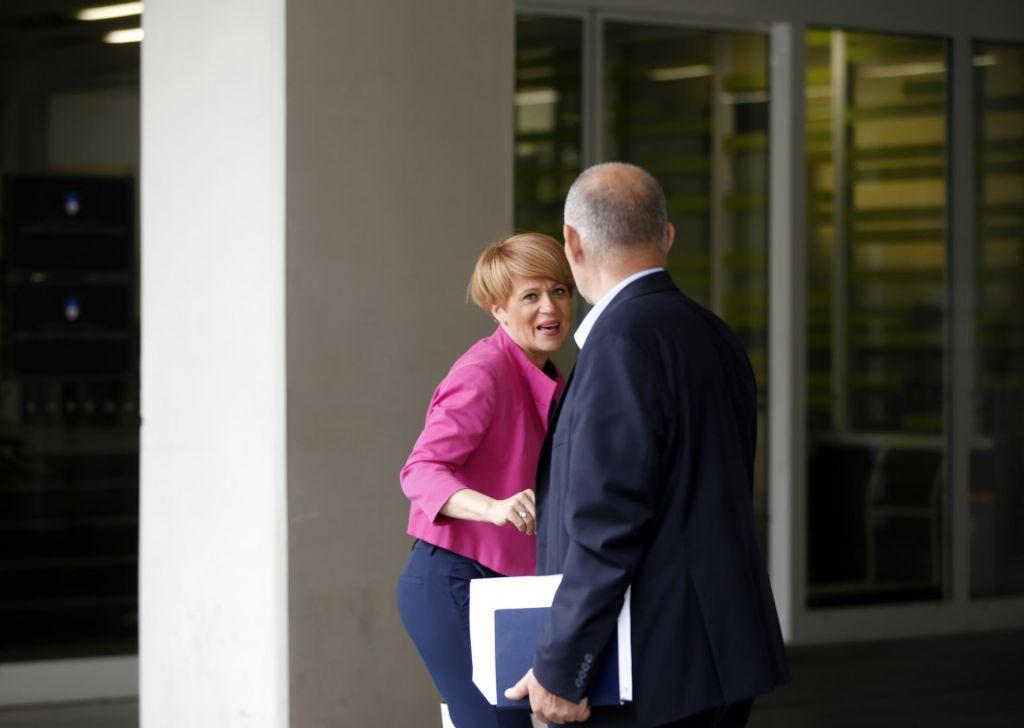 Bo koalicija pripravljena odpreti fronto?