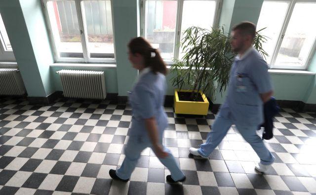 V zdravstvu so potrebne dobre delovne razmere, dovolj zaposlenih in primerno plačilo. FOTO: Javornik Dejan